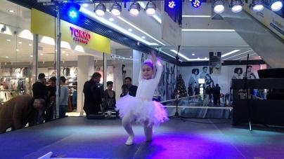 Foto/Video: Spectacol de 1 Decembrie 2014, Mall – Târgu-Jiu