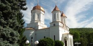 Pelerinaj la Mănăstirea Cocoș, județul Tulcea / Fotoreportaj – partea a III a