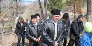 Imnul Național și țăranii din Doboi, Harghita.