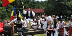 Icoane și costume populare pentru Harghita și Covasna