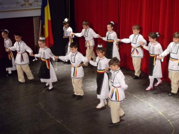 Sfântul Nicolae la copiii români din Ozun, Covasna!