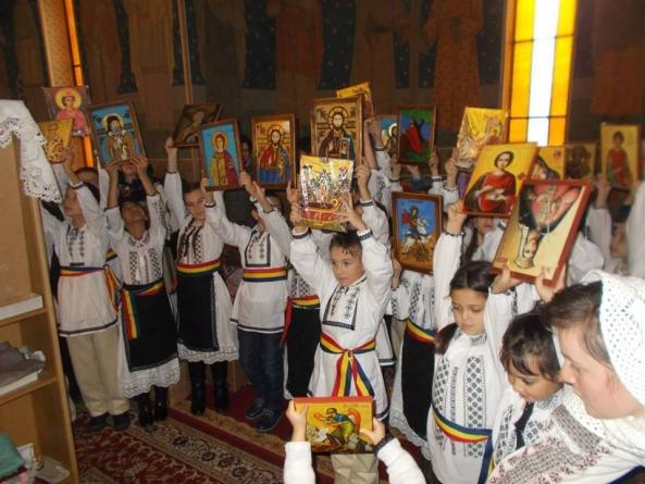 Copiii români din Trecătoarea Însângerată a Oituzului.