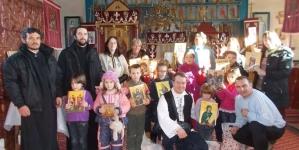 Oituz, Covasna, cadouri dăruite românilor sub protecția jandarmilor. Le mulțumim pentru sprijin și datoria îndeplinită!