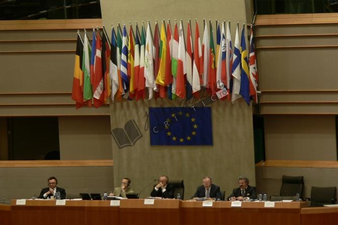 Sondaj de opinie: Cum vedeți viitorul Europei?