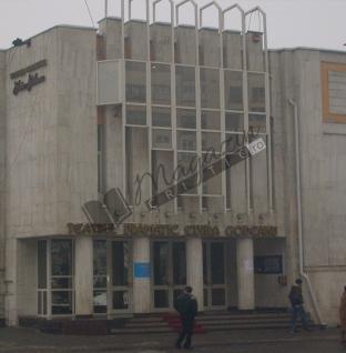 """Teatrul Dramatic """"Elvira Godeanu"""", Târgu-Jiu: """"Hamlet în sos picant"""", regie Aurel Palade"""