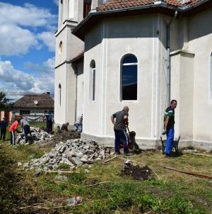 """Voluntarii Frăției Ortodoxe """"Sfântul Mare Muncenic Gheorghe"""" au reparat trei biserici în județul Covasna!"""