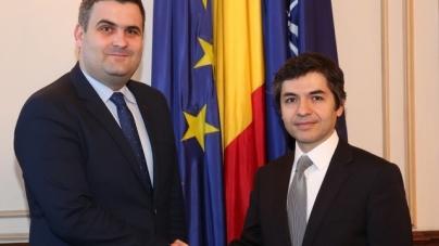 Întâlnire între ministrul apărării şi ambasadorul Turciei