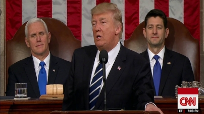 Președintele Donald Trump vorbeşte despre zidul cu Mexicul în primul său mesaj transmis din Biroul Oval