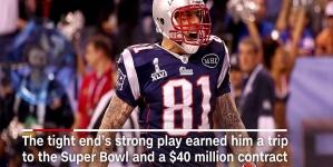 Fostul star NFL Aaron Hernandez s-a spânzurat în închisoare!