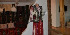 PAGINI DE CULTURĂ ŞI CIVILIZAŢIE ROMÂNEASCĂ. ÎNTRE A FI ROMÂNI ŞI (AUTO) VICTIMIZARE