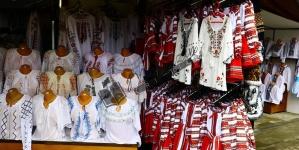 Vinovat că împreună cu frații și surorile mele am dăruit costume naționale, cadouri de Sfântu Nicolae și de Crăciun!
