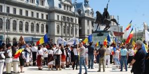 Ansamblul Oltul din Hăghig, jud. Covasna a fost prezent în 10 iunie la București, Piața Universității!