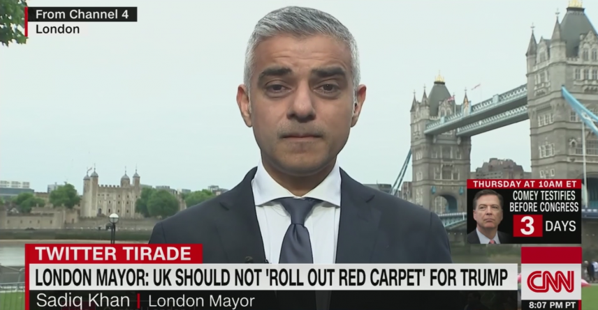 """Primarul de la Londra Sadiq Khan: """"Nu cred că ar trebui să lansăm covorul roșu în fața președintelui SUA…""""!"""
