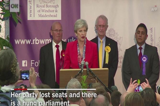Theresa May a format un nou guvern cu ajutorul Partidului Democrat Unionist din Irlanda de Nord!