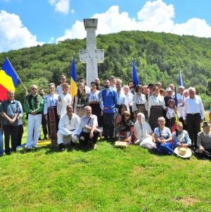 """Luptătorii anticomuniști din Munții Făgăraș, comemorați la Sâmbăta de Sus. Cum au decurs """"Zilele Rezistenței"""" la ediția a X-a.."""