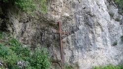 Și, deodată, lemnul crucii trup s-a făcut!
