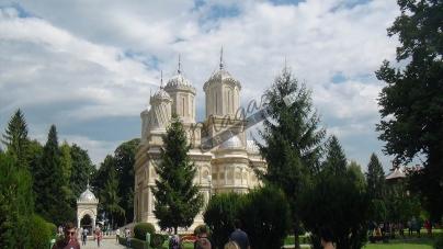 """Mănăstirea """"Curtea de Argeș"""", astăzi! Audio-video"""