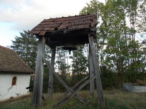 La Vârghiș, Doboșeni și Herculian trupele horthyste i-au obligat cu armele pe români, în anul 1940 să-și dărâme bisericile construite în 1936.