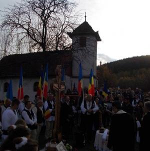 Ne întoarcem la Vârghiș și la Doboșeni, la bisericile din Covasna ce strigă după lumină, în Duminica Ortodoxiei, 25 februarie.