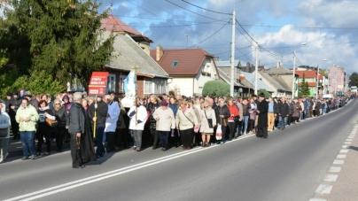 Impresionant: lanț de rugăciune în jurul Poloniei