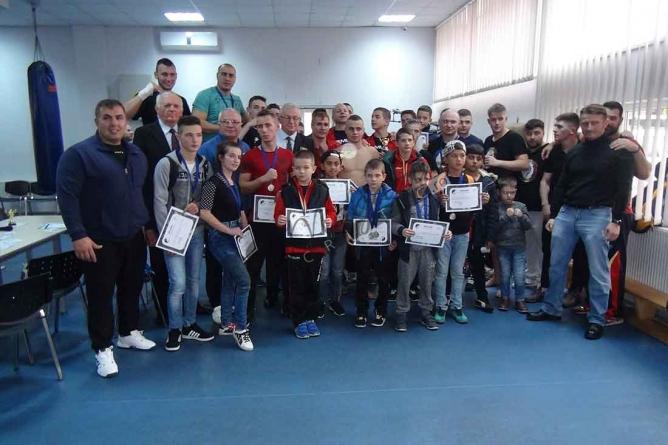 Video: Competiția Națională de Mixt-Fight Full, Lights şi Kick Boxing din Târgu-Jiu.