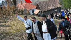 La Doboi, jud. Harghita de Florii, 5 aprilie 2015. Continuăm istoricul acțiunilor organizate de Români pentru Români pe Calea Neamului.