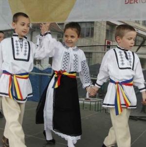 Românii trebuie să rămână în Centru!