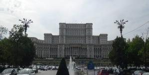 Patriarhul Daniel a participat la şedinţa solemnă a Camerelor reunite ale Parlamentului, dedicată aniversării Unirii Basarabiei cu România
