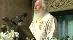"""IPS Ioan, Mitropolitul Banatului: """"Iubite tinere și mame, lăsați să zboare de pe brațele dumneavoastră români în Împărăția lui Dumnezeu!"""""""