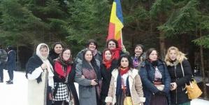 O primăvară frumoasă ca România le doresc mândrelor femei ce merg pe Calea Neamului Românesc!