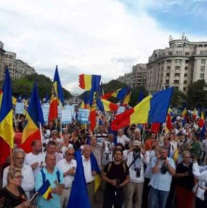 29 iulie, ziua Imnului Naţional, ziua când Linia întâi a luptei pentru identitatea românească din Covasna, Harghita şi Mureș s-a mutat din Inima în Capitala Ţării.