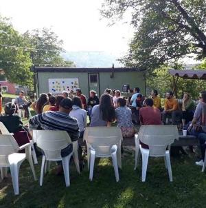 """Exclusiv! """"Connecting roots – partnership building seminar"""" în Prenčov, Slovacia."""