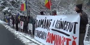 Proteste ale părinților împotriva propagandei homosexuale în școli!