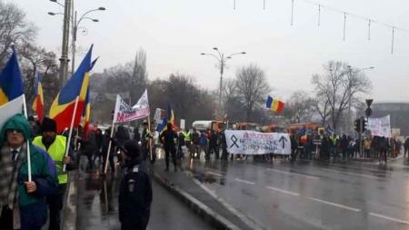 """Protestul împotriva colonizării României continuă! """"PACTUL DE MIGRAȚIE, MARE ABERAȚIE!"""""""