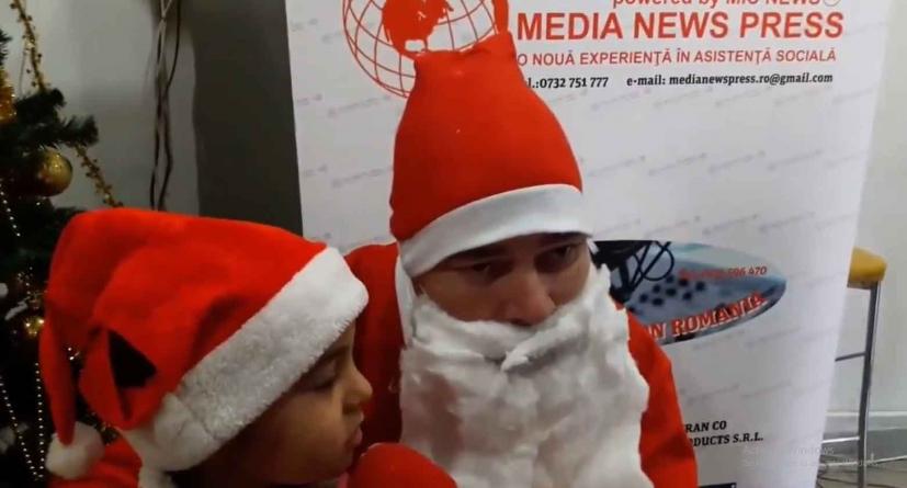 """Asociația """"Mic News"""" a reușit să aducă zâmbetul pe buzele a sute de copii defavorizați din București și Ilfov."""