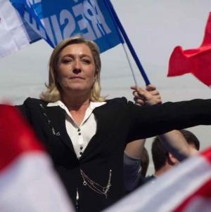 """Se apropie """"primăvara popoarelor""""?! Marine Le Pen critică multiculturalismul european!"""