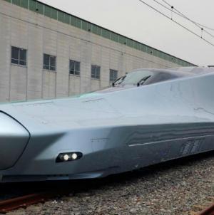 Japonia produce Alfa-X, un tren care poate călători cu 400 km/h