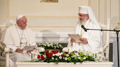 """Patriarhul Daniel: """"Predecesorii noștri ne cheamă… să apărăm familia creștină tradițională formată din bărbat, femeie și copii, într-o Europă cu un evident declin demografic"""""""