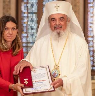 Părintele Patriarh Daniel i-a acordat Simonei Halep Crucea Patriarhală