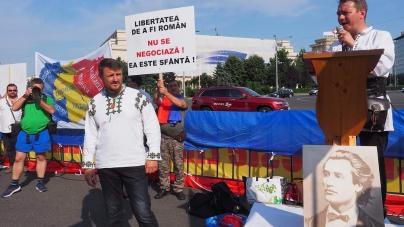 Peste 1000 de români din întreaga țara au participat la mitingul din Pața Victoriei!