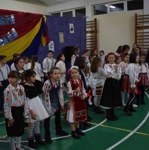 """Zi de mare bucurie și simțire românească cu ocazia Concursului Județean de recitare """"DIN DRAGOSTE DE NEAM ȘI ȚARĂ"""", organizat din inițiativa Asociației """"CALEA NEAMULUI"""""""