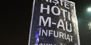 """Protestul """"În Libertate"""" a ocupat Piața Victoriei! Oamenii au manifestat contra prevederilor abuzive ale legii carantinării, care va fi votată astăzi de Senat. 2 MINS AGO"""