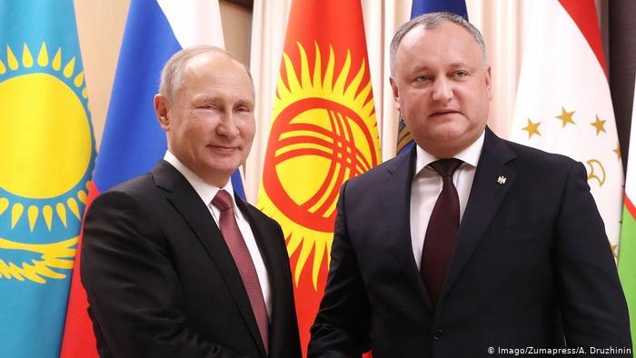 Deputat R. Moldova: Dodon, urcat pe tancul rusesc, e gata să calce tot ce îi stă în cale doar să mai câştige un mandat