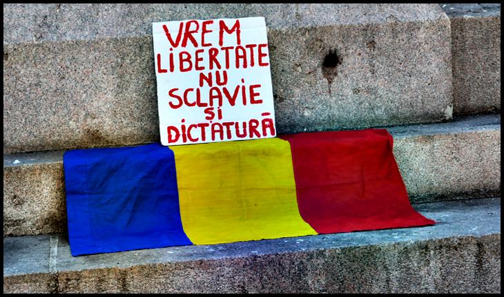 Mancurții care fug de steagul României, precum dracul de tămâie
