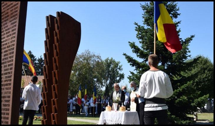 Parastas, lacrimi și cântece patriotice pentru românii refugiați și expulzați în 1940