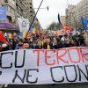 Proteste împotriva restricțiilor excesive și a stării de alertă vor avea loc sâmbătă 17 aprilie 2021 în mai multe orașe din țară. PÂNĂ NU PLEACĂ IOHANNIS ȘI ARAFAT NU NE VOM OPRI! IEȘIȚI DIN CASE, E PE VIAȚĂ ȘI PE MOARTE!
