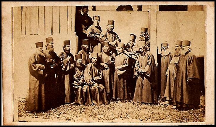 Foto: Preoți români ortodocși, imagine cu rol ilustrativ